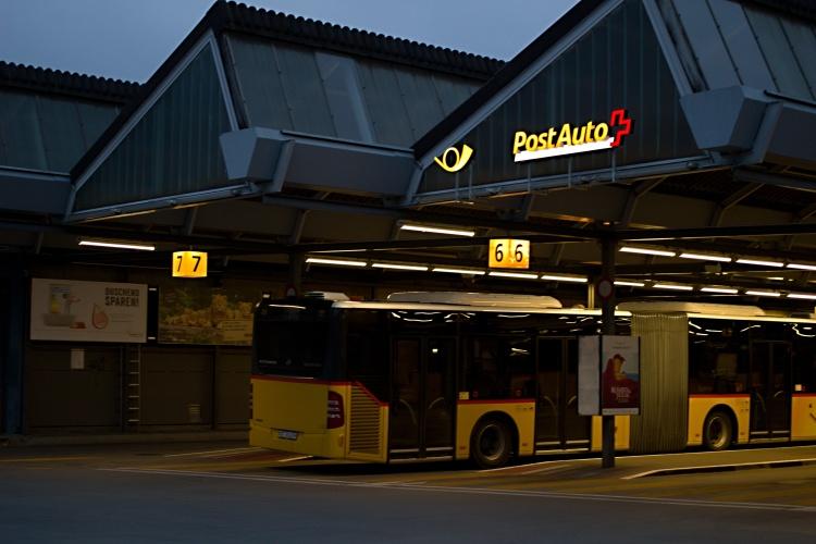 Busbahnhof von Postauto oberhalb vom Hauptbahnhof in Bern