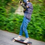 Schneller Downhill-Longboarder