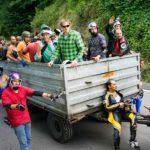 Traktoranhänger mit Longboard- und Seifenkistentransport