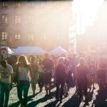 Menschen am Buskers-Festival
