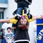 Kopfüber akrobatik Witty Look